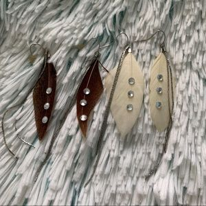 Jewelry - ✨FEATHER DANGLE EARRINGS✨
